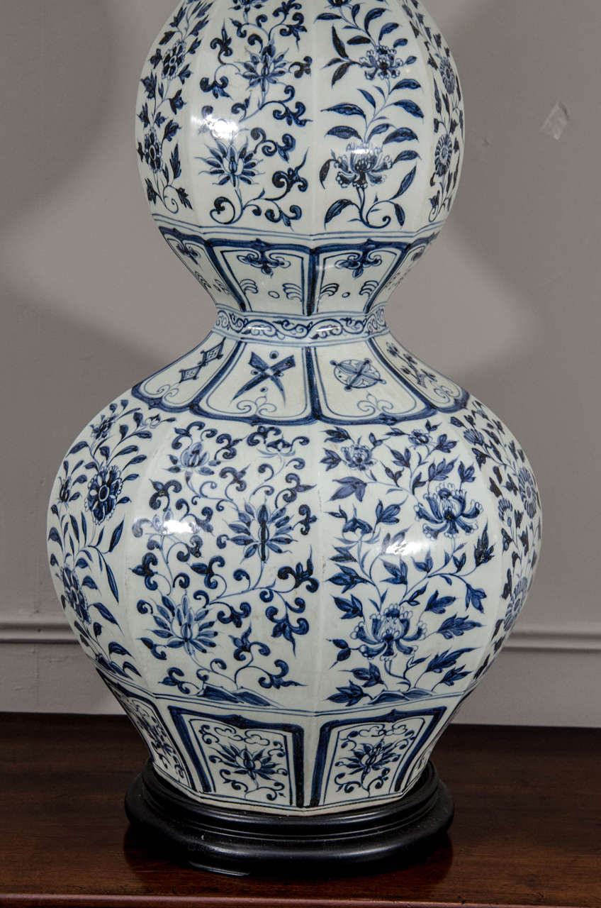 Pair of large chinese blue and white double gourd calabash vases qing pair of large chinese blue and white double gourd calabash vases wired as lamps reviewsmspy