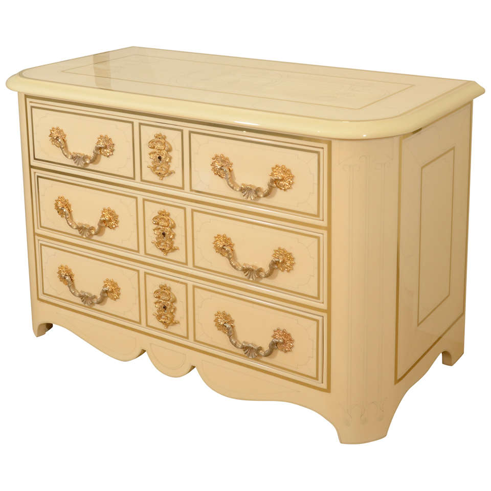 Three-Drawer Cream Lacquered Commode by Bagues 1