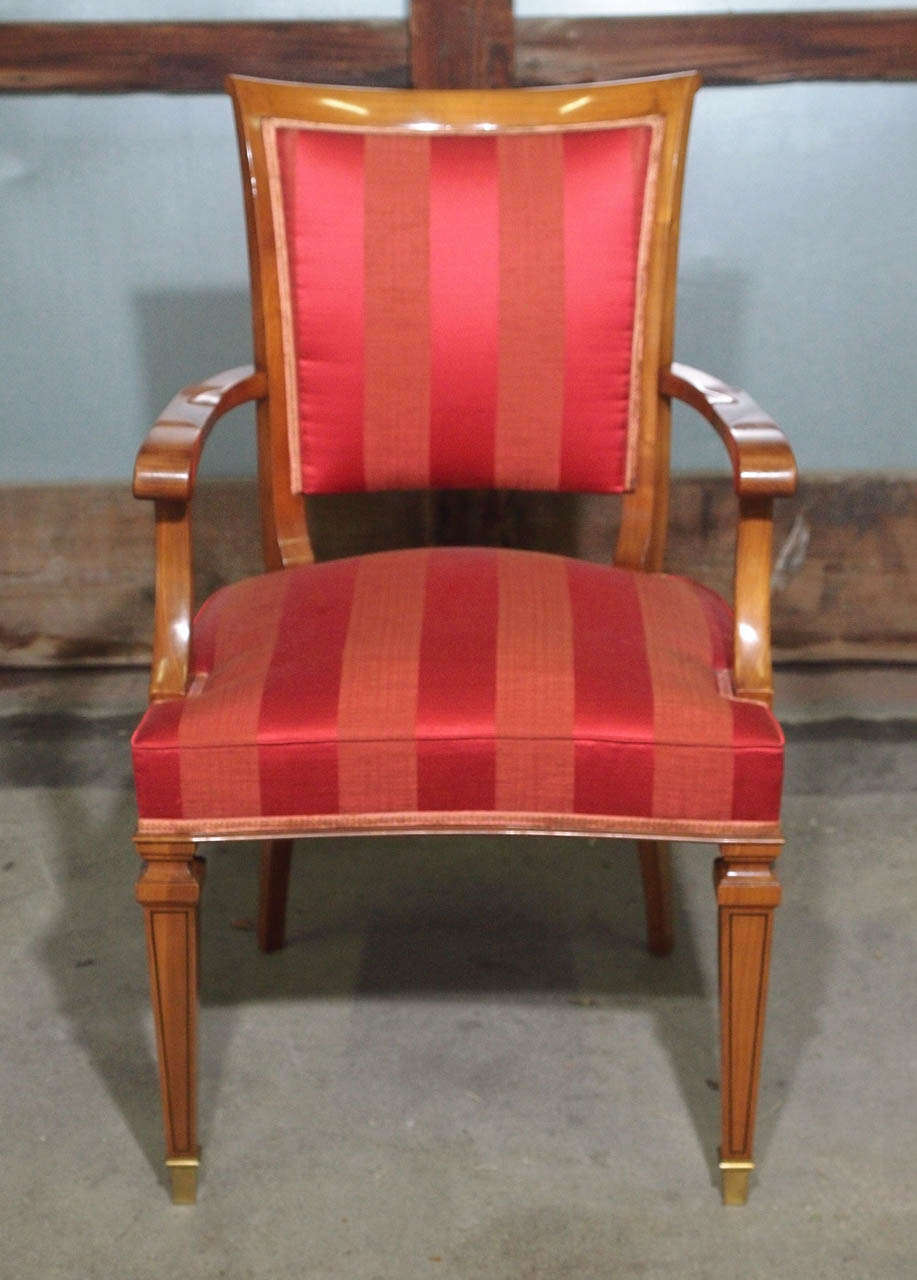 Set of Eight French Walnut Neoclassical Style Dining Chairs, circa 1940 In Good Condition For Sale In New York, NY