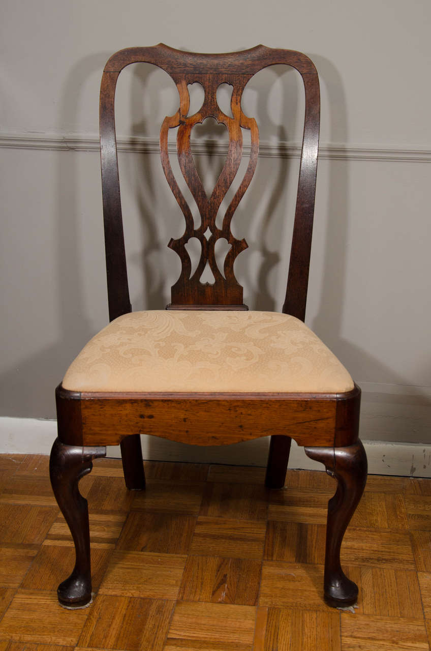 Pair of 18th Century Georgian Mahogany Side Chairs In Excellent Condition For Sale In New York, NY