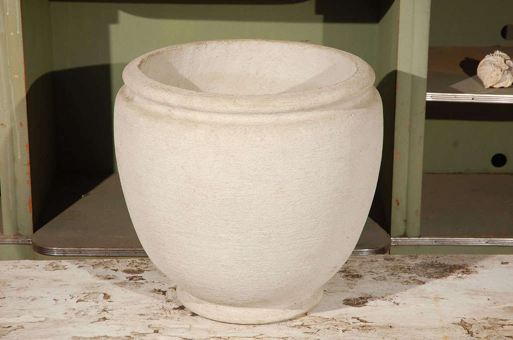 Round concrete urn planter (Reproduction from original mold).
