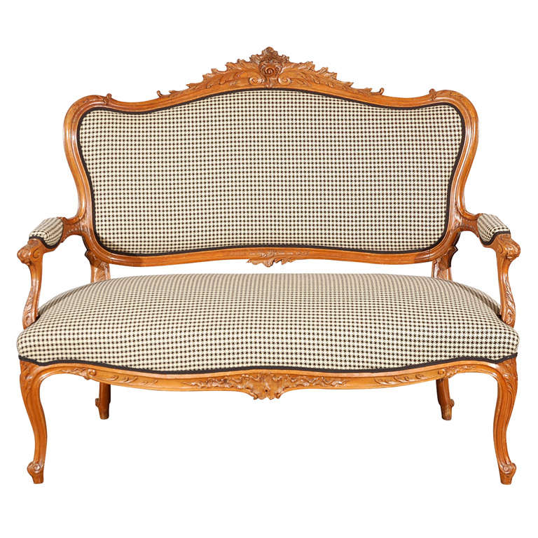 antique louis xv style canape for sale at 1stdibs. Black Bedroom Furniture Sets. Home Design Ideas
