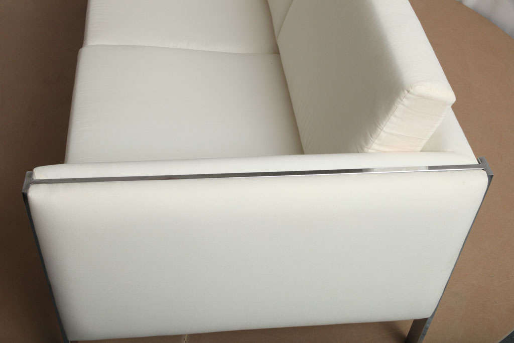 Sofa, Muslin Upholstery in Milo Baughman Style For Sale 5