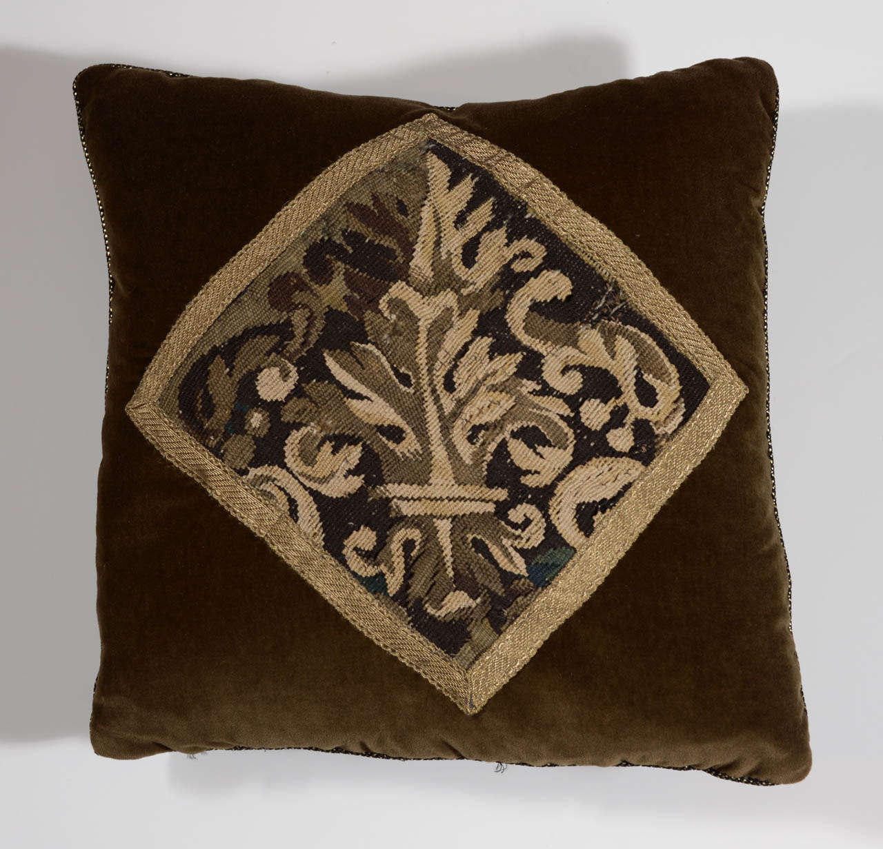 Baroque Pair of 18th Century Tapestry Pillows For Sale