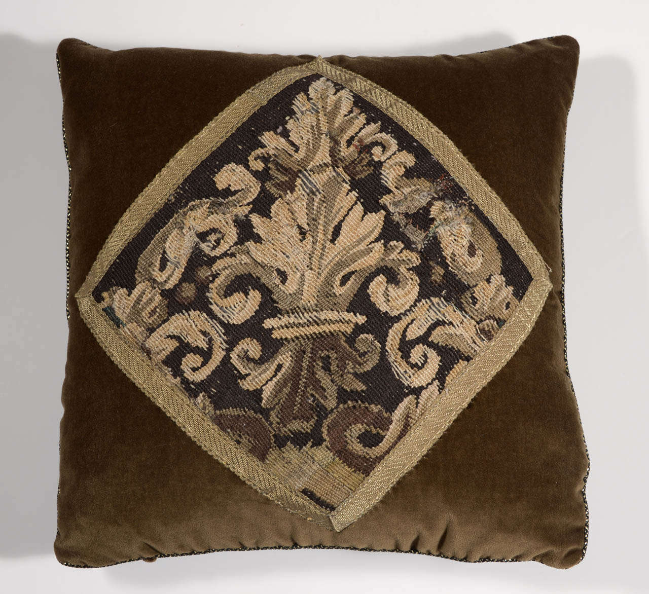 Pair of 18th Century Tapestry Pillows For Sale 1