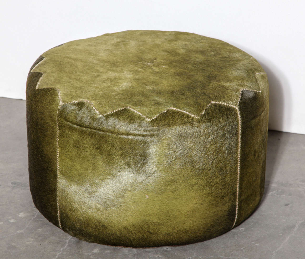 Henry Beguelin Casablanca Pouf in Green Cowhide In Excellent Condition For Sale In Chicago, IL
