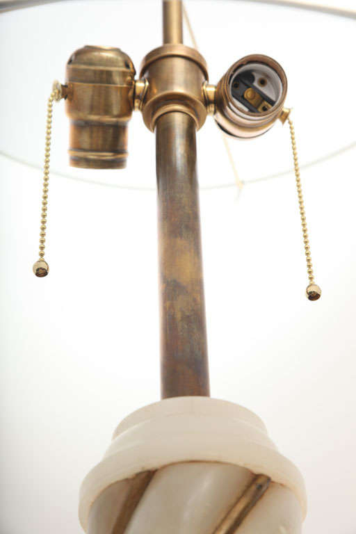 Brass Pair of 1940s Italian Classical Modern Alabaster Table Lamps For Sale