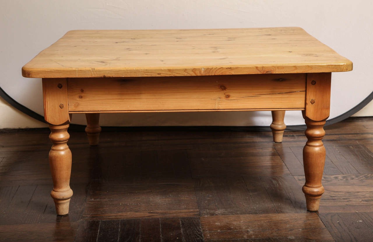 Low pine coffee table with turned legs at 1stdibs for Pine coffee table
