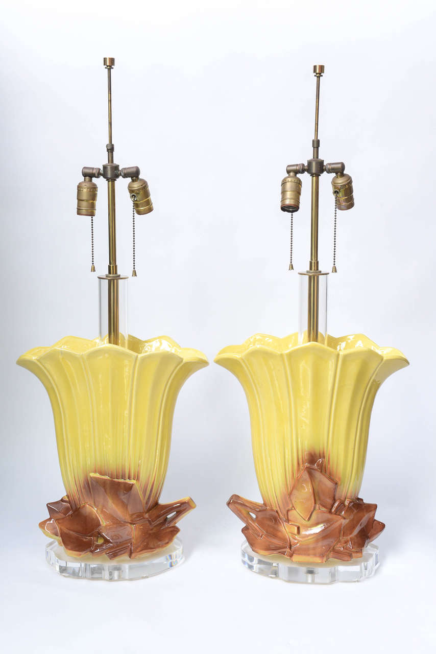 American Pair of 1970s Ceramic and Lucite Table Lamps For Sale