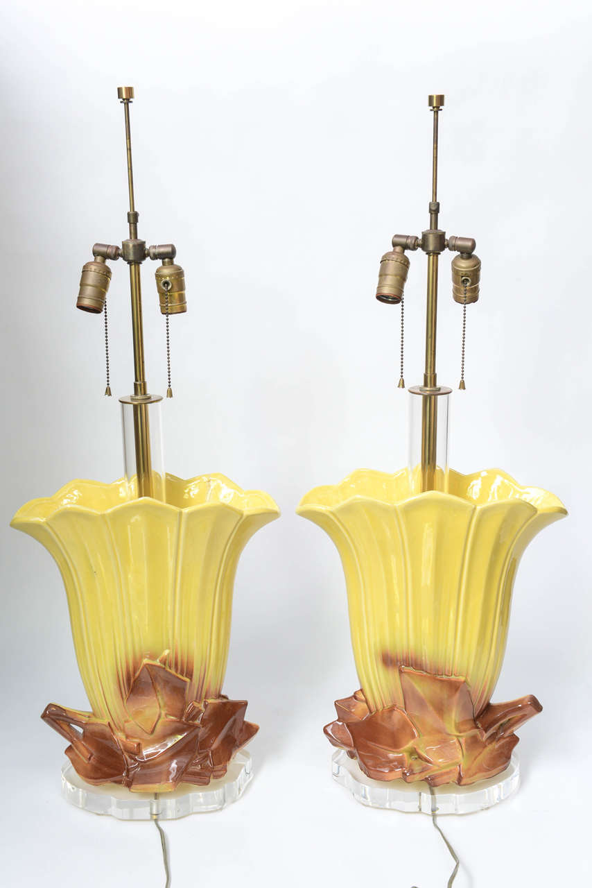 Pair of 1970s Ceramic and Lucite Table Lamps For Sale 3