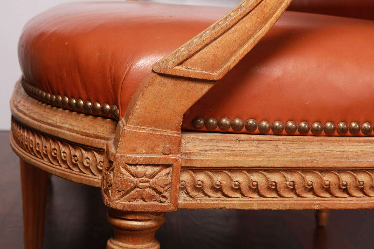 18th Century and Earlier Louis XVI Beechwood Settee For Sale