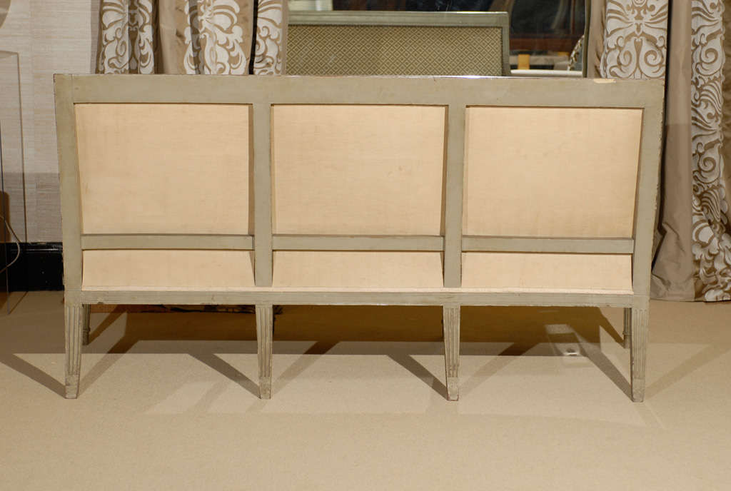 Directoire period canape in painted beechwood image 8 for Canape directoire