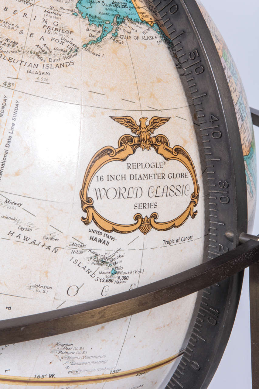 American World Globe in the Style of Paul McCobb For Sale