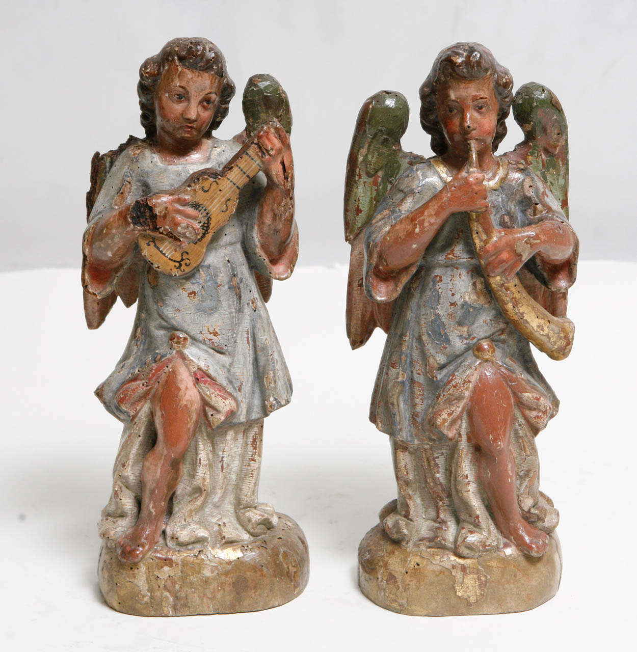 18th Century Pair of Italian Angels In Good Condition For Sale In Los Angeles, CA