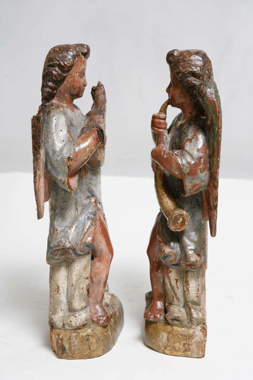 18th Century Pair of Italian Angels For Sale 1