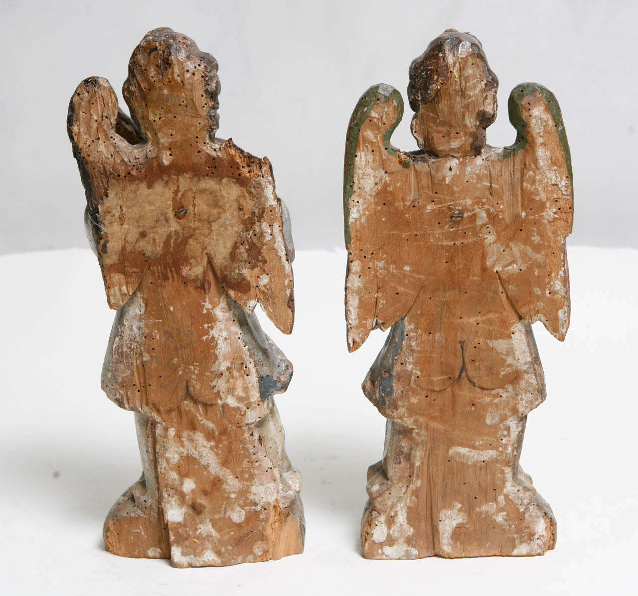 18th Century Pair of Italian Angels For Sale 2