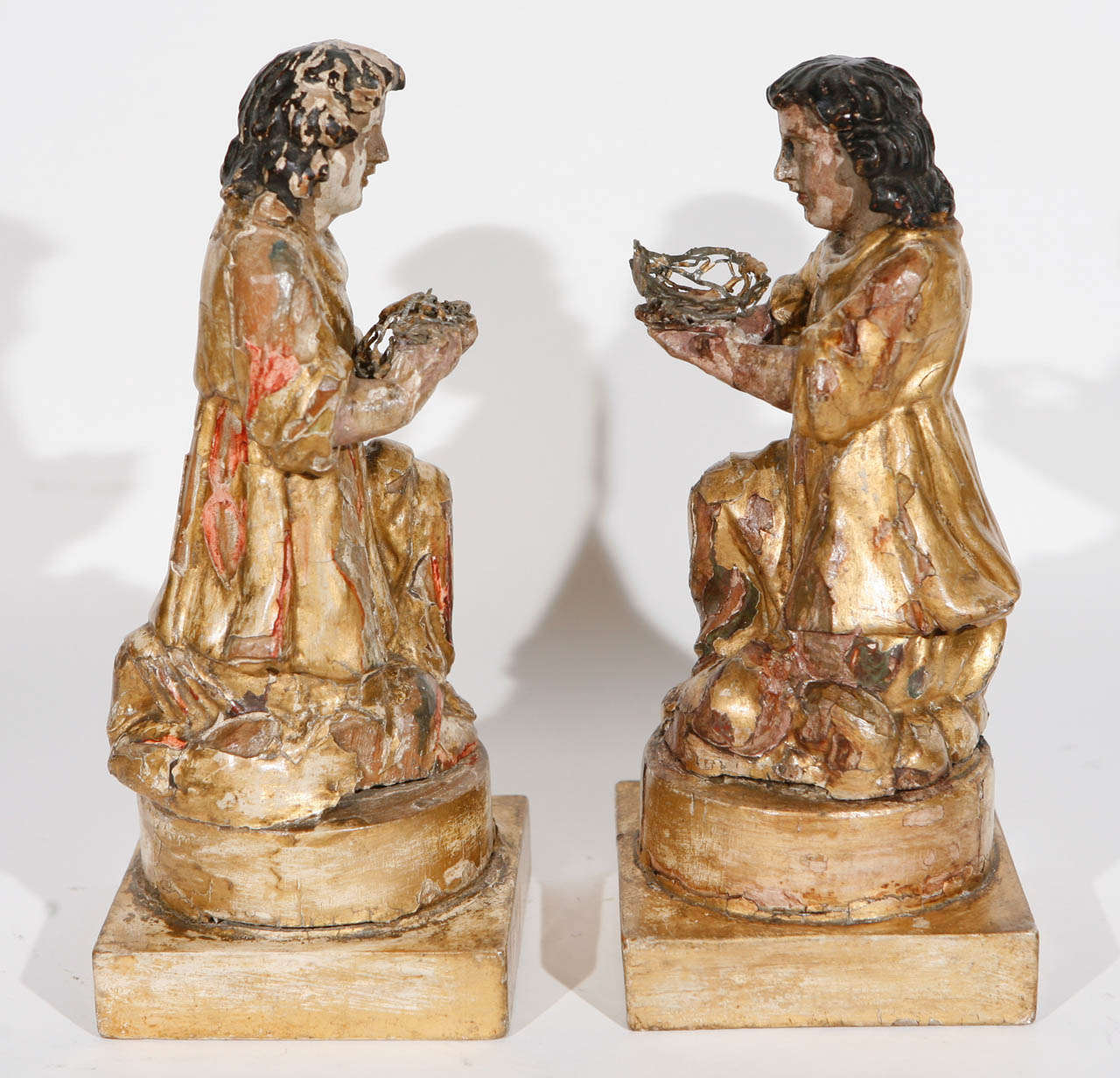 Pair of 18th Century Italian Carved Giltwood Saints For Sale 1