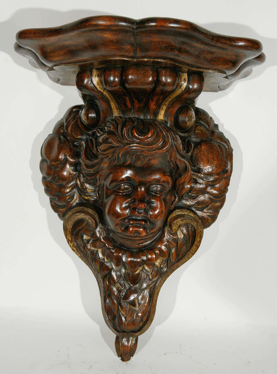 19th Century Italian Carved Cherub in Walnut Wall-Mounted Console In Excellent Condition For Sale In Los Angeles, CA