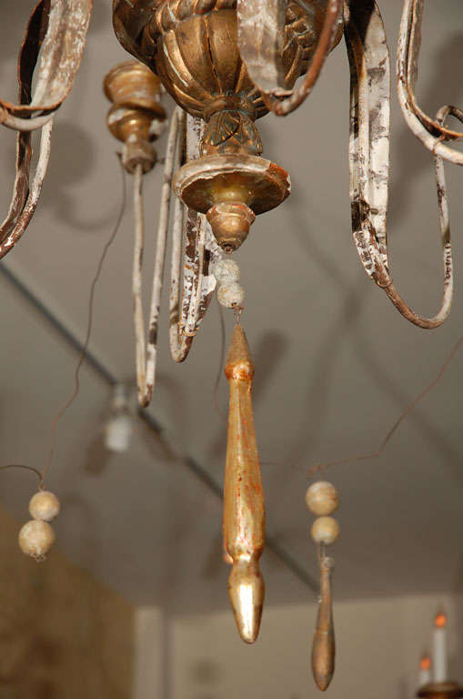 Italian Twelve-Light Chandelier In Distressed Condition For Sale In Los Angeles, CA
