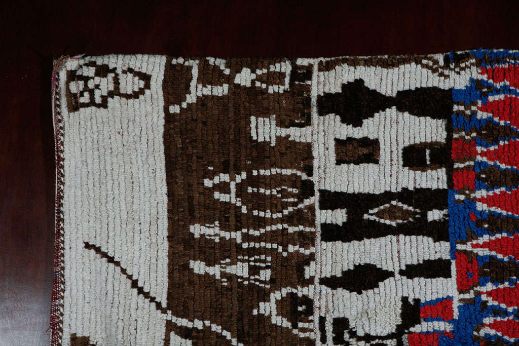 Vintage Moroccan Rug In Good Condition For Sale In West Hollywood, CA
