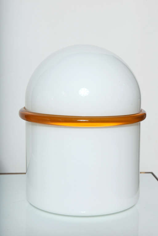Pair of SIV Murano Società Italiana Amber Banded White Glass Domed Table Lamps  In Good Condition For Sale In Bainbridge, NY