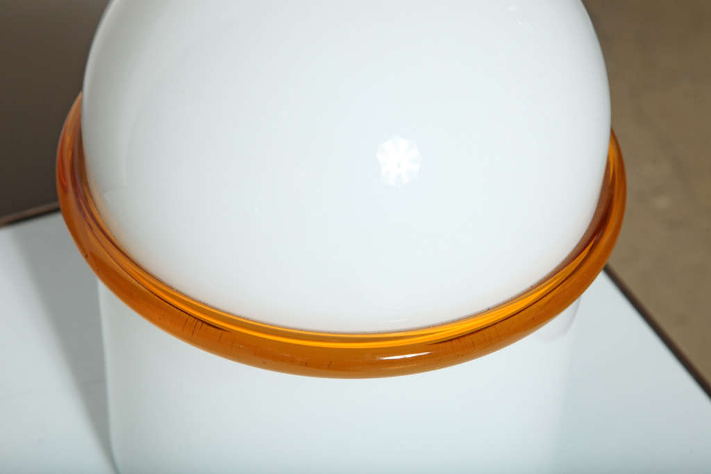Late 20th Century Pair of SIV Murano Società Italiana Amber Banded White Glass Domed Table Lamps  For Sale