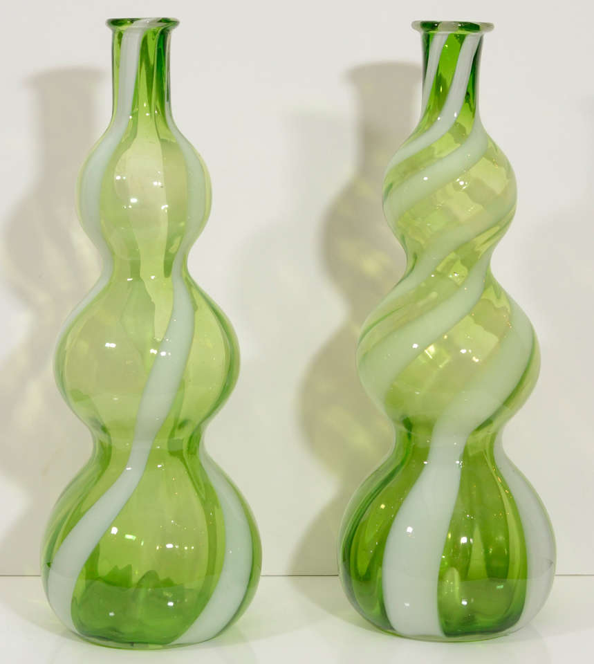 Pair of Italian Glass Vases 3