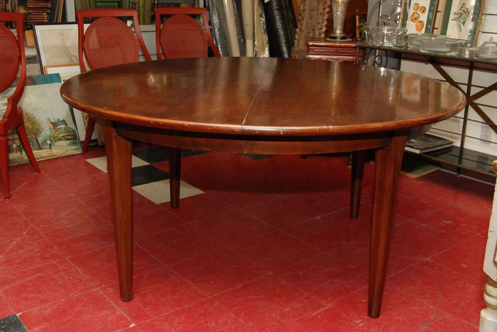 Pecan wood round dining table leaves at 1stdibs for Pecan wood furniture dining room