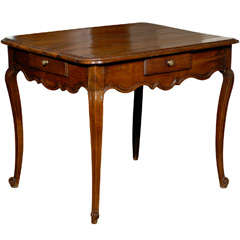 French Walnut Louis XV Style Mid-19th Century Side Table with Scalloped Apron