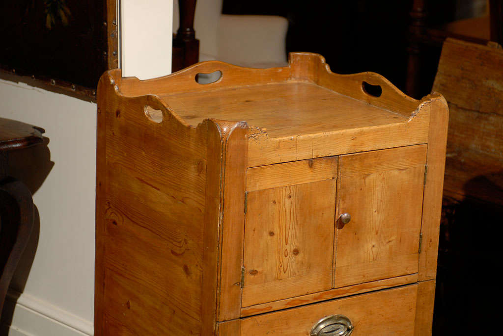 english circa 1800 pine tray top commode with double doors. Black Bedroom Furniture Sets. Home Design Ideas