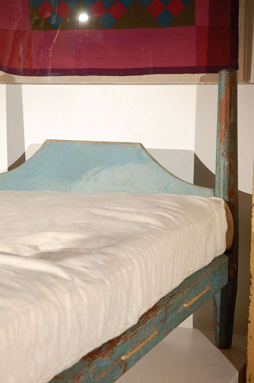 19th Century Original Blue Painted Pencil Post Hired Hands Bed 2