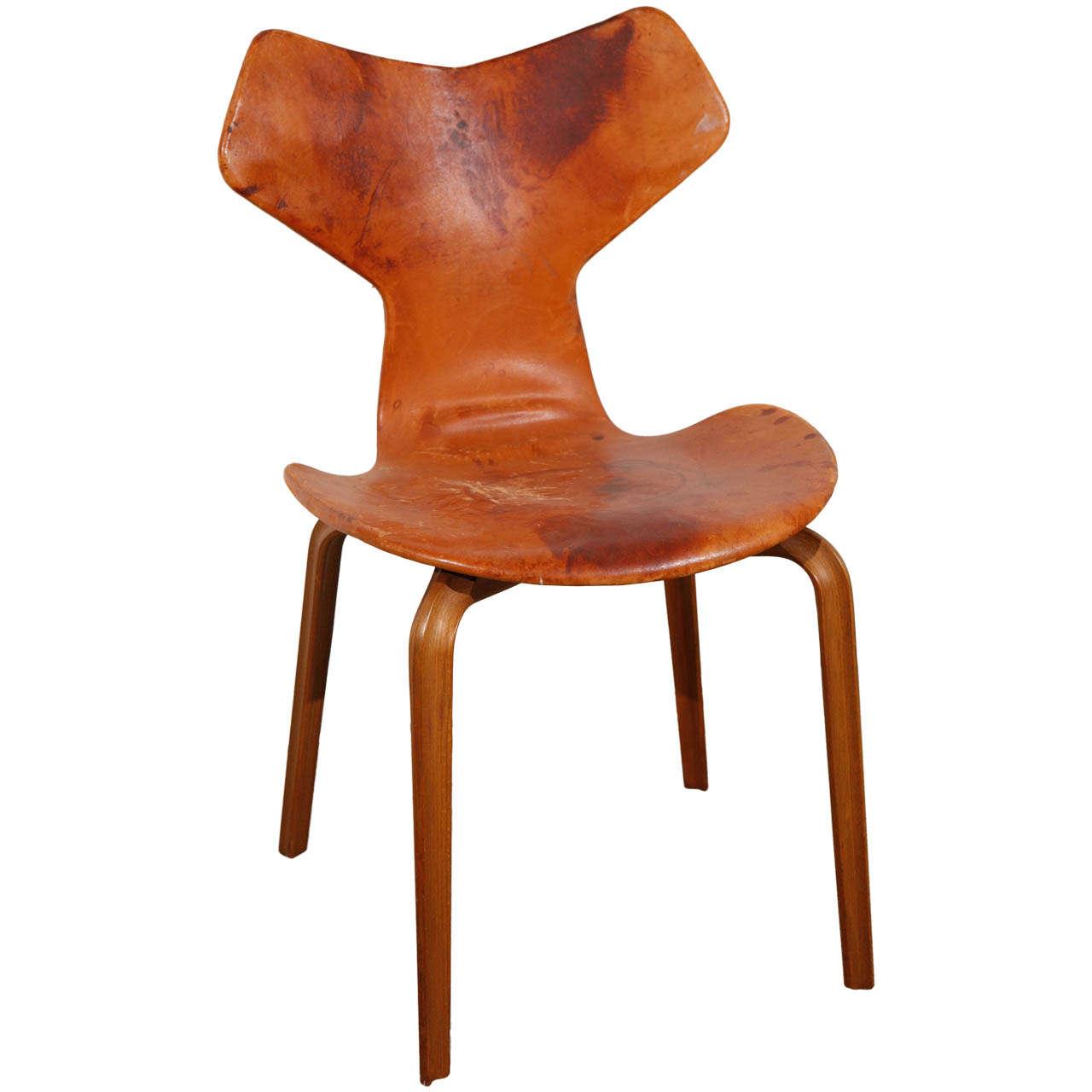 arne jacobsen 39 grand prix 39 chair at 1stdibs. Black Bedroom Furniture Sets. Home Design Ideas