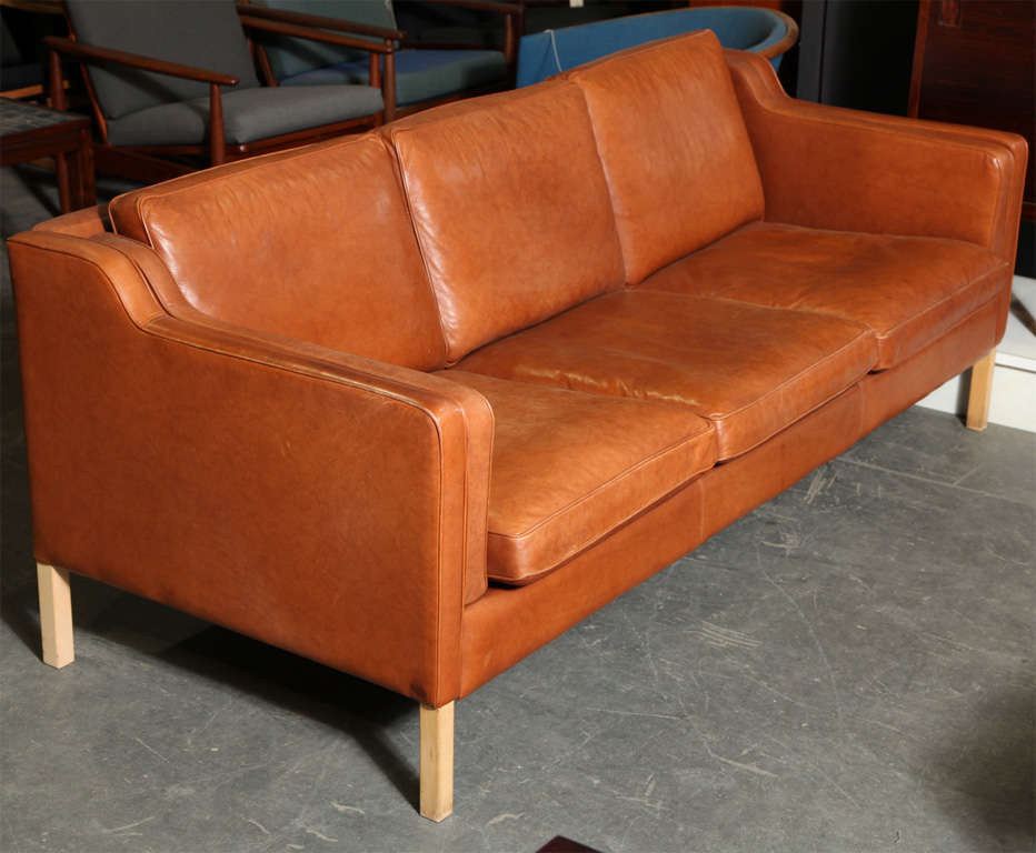 danish modern cognac leather 3 seater sofa at 1stdibs. Black Bedroom Furniture Sets. Home Design Ideas