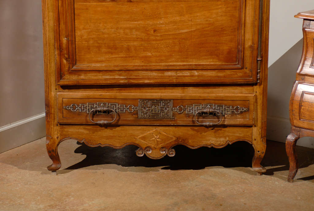 French 19th Century Louis XV Style Cherry Bonnetière with Intricate Hardware For Sale 1