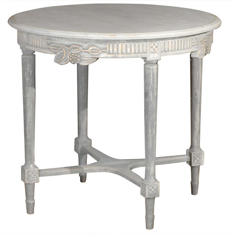 Swedish Round Painted Centre Table with Carved Berries and Foliage, 19th Century