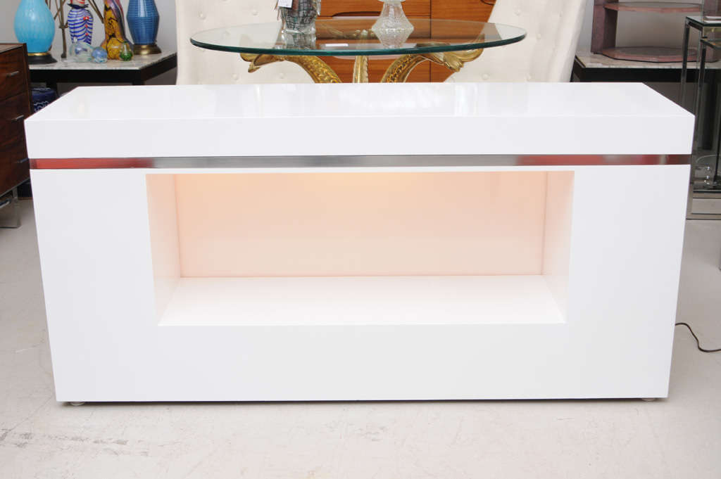 Illuminating White Lacquer Console At 1stdibs