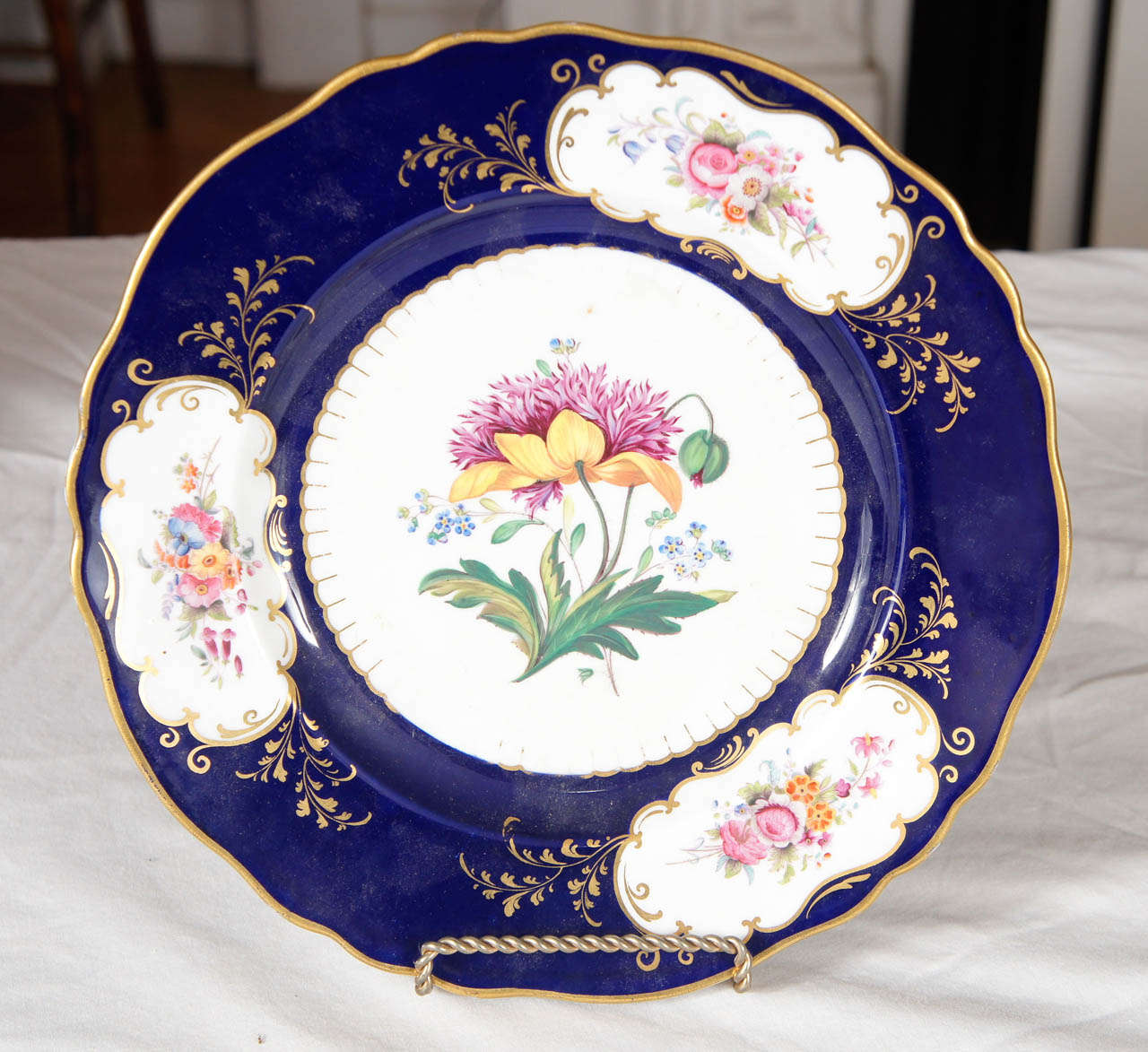 Pair of Similar Ridgway Porcelain Service Plates For Sale 1
