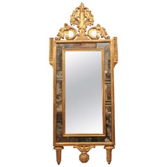 18th Century Italian Neoclassical Carved Giltwood Mirror