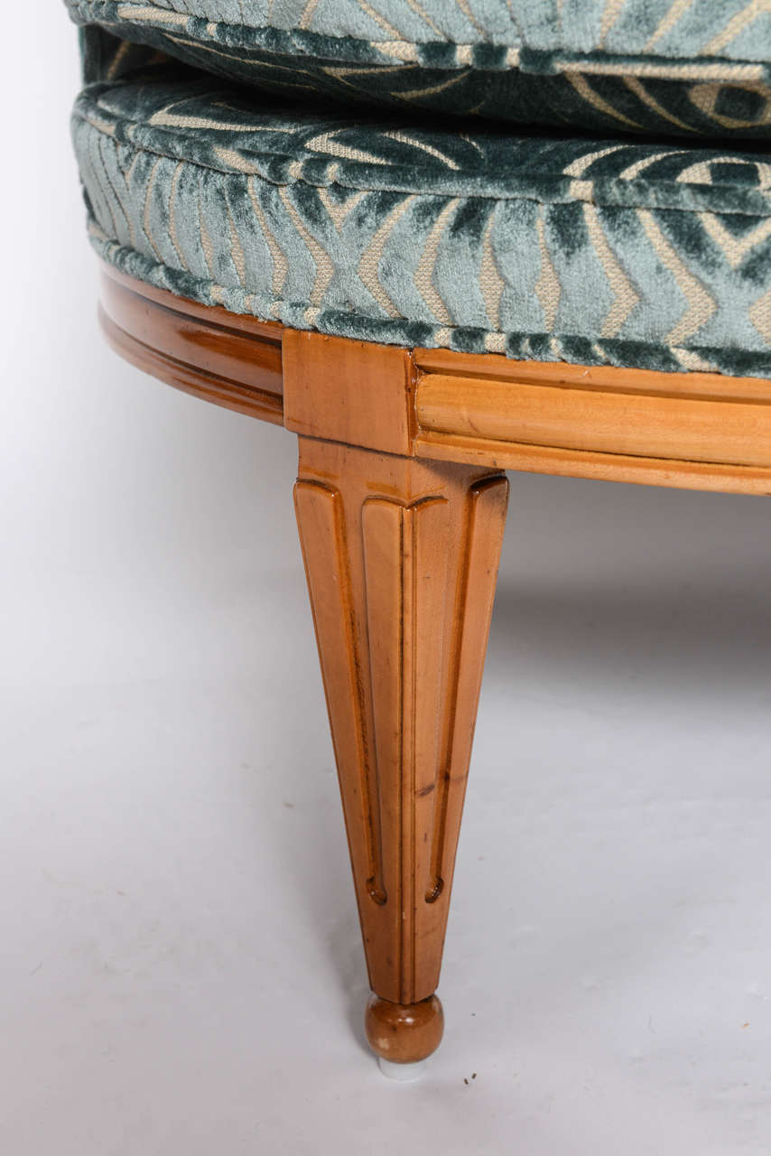 Grosfeld House, 1940s Glamorous Curved Slipper Chair In Excellent Condition For Sale In East Hampton, NY