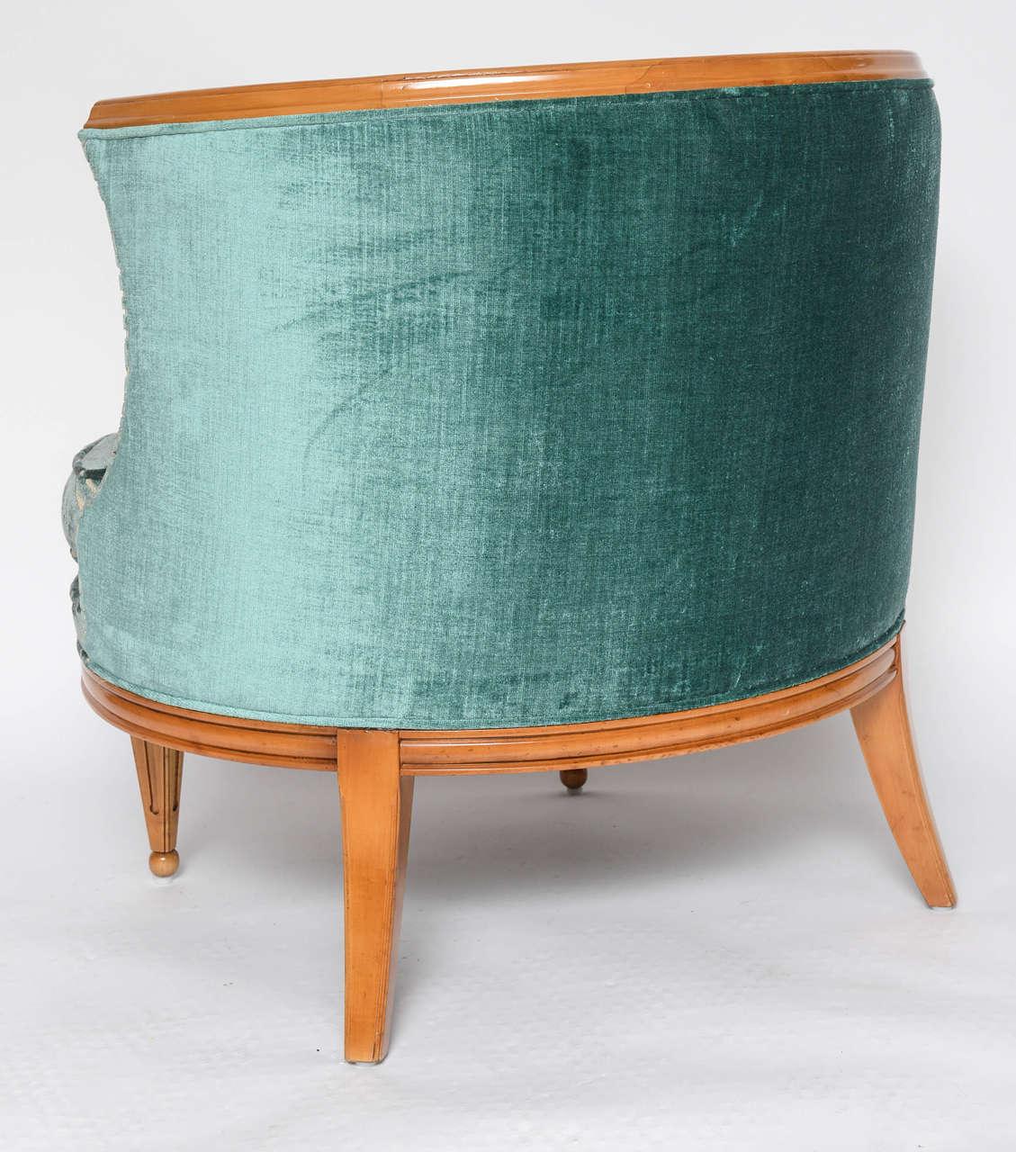Grosfeld House, 1940s Glamorous Curved Slipper Chair For Sale 1