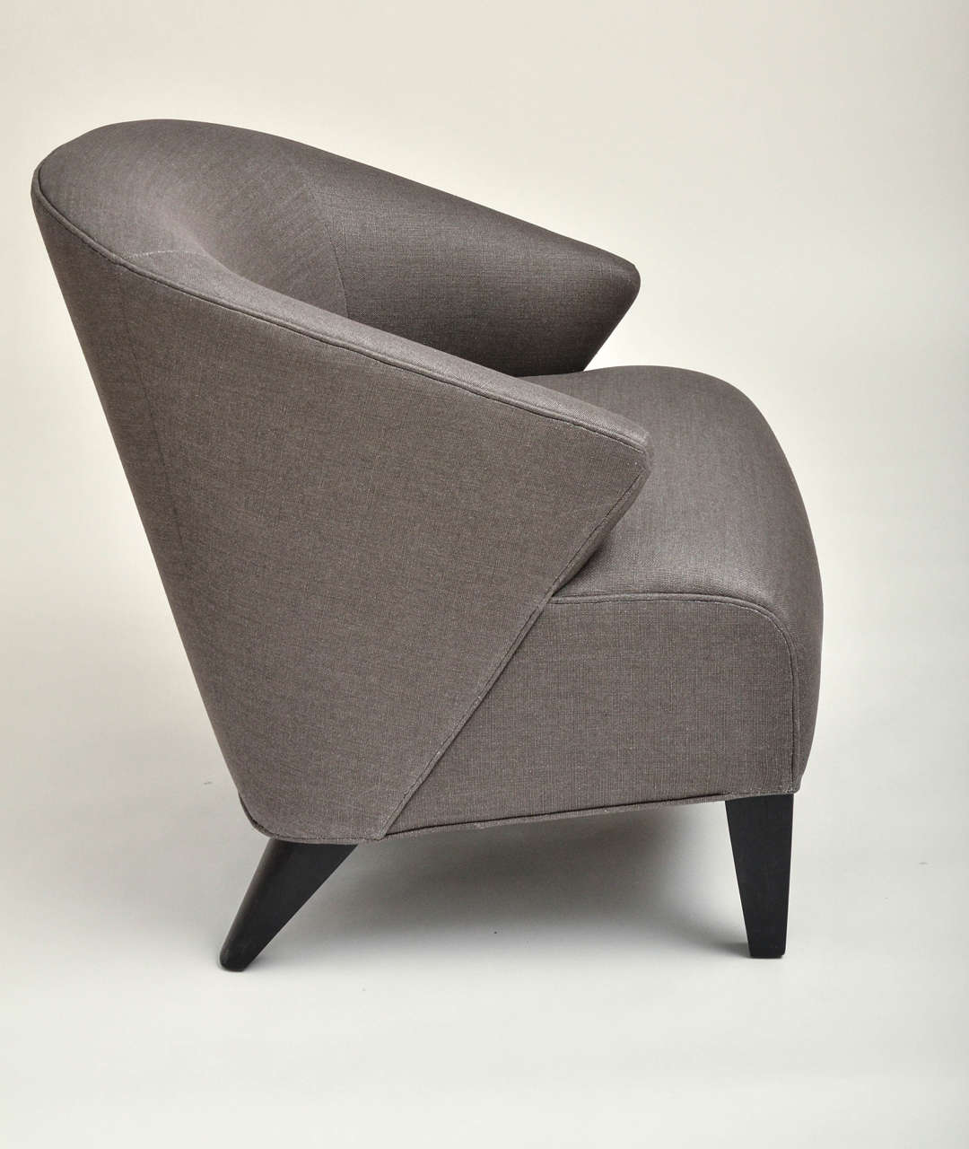Linen Mid-Century Modern Upholstered Chair with Hand-Painted Pillow For Sale