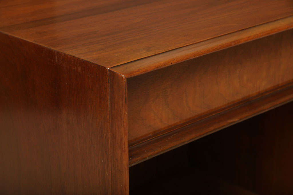 Robsjohn-Gibbings Walnut Night Table for Widdicomb For Sale 3