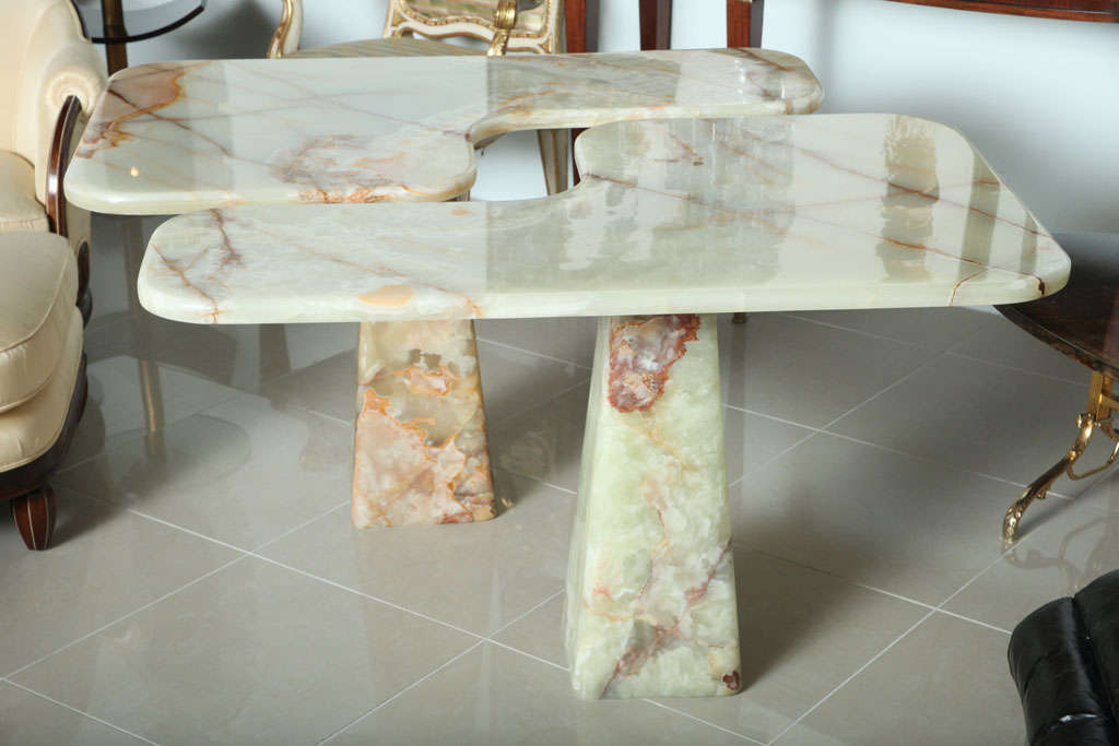 Italian Modern Onyx Center Table/Pair of Corner Consoles, attributed to Borsani For Sale 5