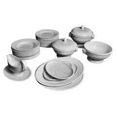 1900s Wedgwood Porcelain Set of Plates