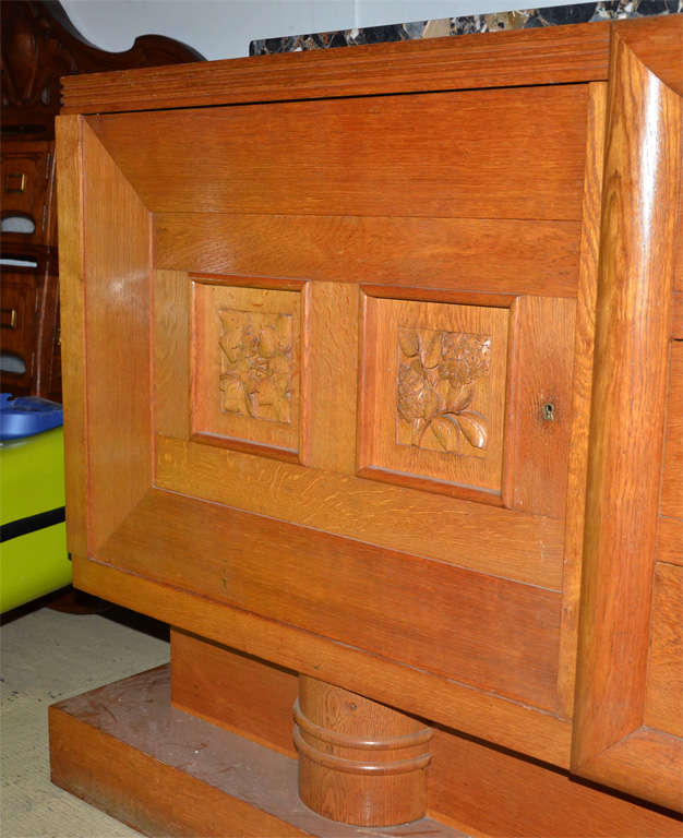 Oak 1940's oak sideboard For Sale