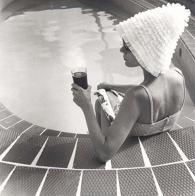 Silvia Lareo-Vazquez Portrait Photograph - Surf Club