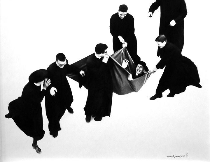 Mario Giacomelli Black and White Photograph - Io non ho mani che mi accarezzino il volto [Priest being carried]