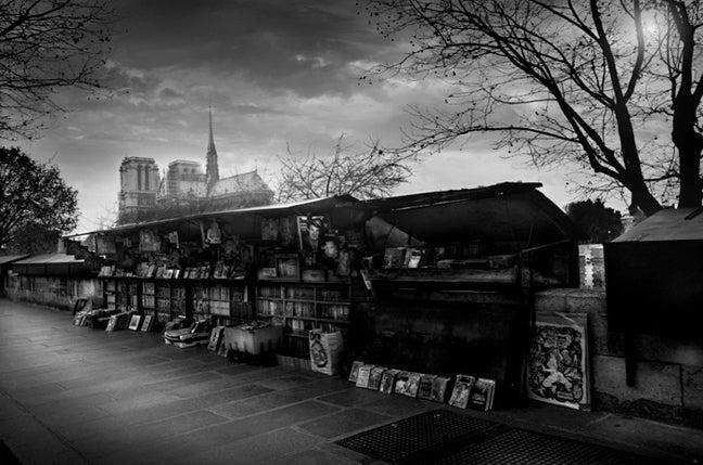 Jean michel berts black and white photograph les bouquinistes
