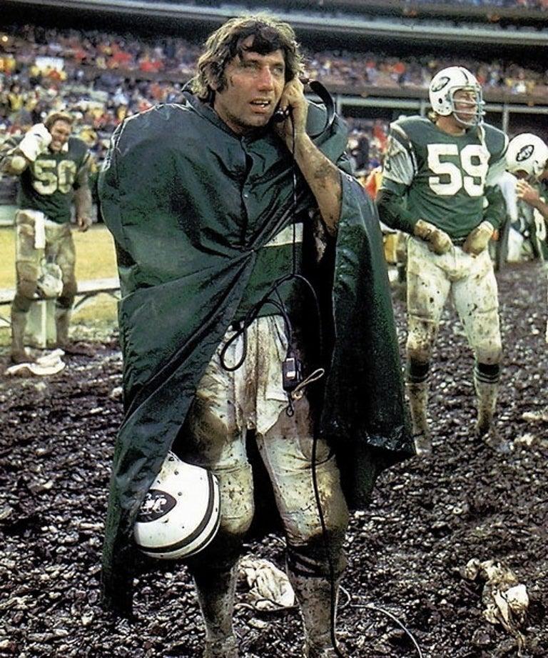 Neil Leifer Color Photograph - Joe Namath, Shea Stadium, Flushing, New York, November 24, 1974