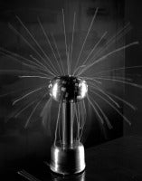 Van der Graaf generator with attached threads